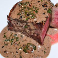 Recipe for Filet Mignon au Poivre - My favorite fancy steak dish is steak au poivre (with pepper). This is a simple version of the steak au poivre you've had in restaurants. dinner lamb Recipe for Filet Mignon au Poivre Sauce Recipes, Meat Recipes, Cooking Recipes, Gourmet Recipes, Rinder Steak, Steaks, Filet Mignon Steak, Filet Steak, Steak Au Poivre