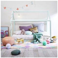 Des lits cabane maison ou tipi pour la chambre d'enfant