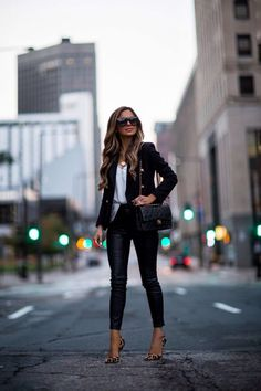 10 Tips To Make Affordable Pieces Look Expensive - Mia Mia Mine - Outfit Ideen Mode Outfits, Winter Outfits, Fashion Outfits, Womens Fashion, Fashion Tips, Girly Outfits, Fashion Pants, Fashion Clothes, Casual Outfits