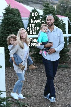 Kendra Wilkinson & Hank Baskett Prove They're One Big Happy Family While Out Christmas Tree Shopping!