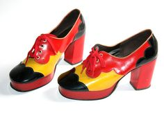 Vintage 1970s Pop Art Platform SHOES / Heels / by Topoftheshops