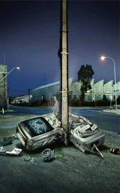 Powerful image helps deliver the message. The Government of South Australia and Motor Accident Commission have worked together to urge drivers to focus on driving and not speaking on mobile phones. A mobile phone is shown wrapped around a telephone pole. Road Safety Poster, Safety Posters, Dont Text And Drive, Dont Drink And Drive, Creative Advertising, Advertising Design, Insurance Ads, Distracted Driving, Driving Safety