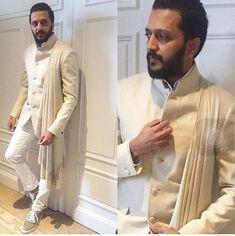 40 Top Indian Engagement Dresses for Men Mens Indian Wear, Mens Ethnic Wear, Indian Groom Wear, Indian Men Fashion, Indian Man, Mens Fashion Suits, Engagement Dress For Groom, Wedding Dress Men, Engagement Dresses