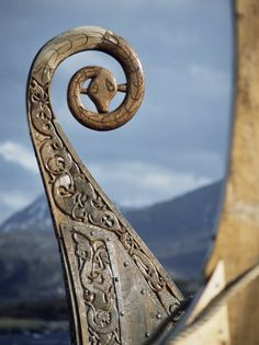 Building top idea....Detail of the Replica of a 9th Century Ad Viking Ship, Oseberg, Norway. By: David Lomax