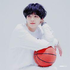 Yoongi all white basketball Daegu, Mixtape, Min Yoongi Bts, Min Suga, Billboard Music Awards, Bts Boys, Bts Bangtan Boy, Min Yoonji, I Love Bts