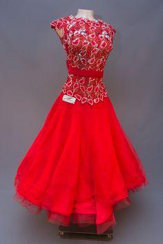 eDanceMarket - Buy and rent dancewear. Latin Ballroom Dresses, Ballroom Costumes, Ballroom Dance Dresses, Ballroom Dancing, Tango Dress, Luxury Dress, Dance Outfits, Ladies Dress Design, Dance Wear