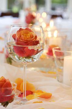 Einfache und wirkungsvolle Tischdekoration für eine Hochzeit - Entdeckt unsere große Auswahl an Tischdekorationen: Von romantisch bis modern...