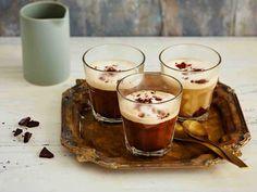Nutella-levite antaa kahville makean pähkinäisen makuvivahteen. Valmista juoma tarpeeksi vahvasta kahvijuomasta ja käytä mielellään tummapaahtoista kahvia.