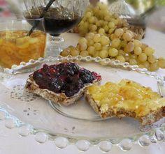 μαρμελάδα σταφύλι Greek Desserts, My Dessert, Pie, Sweets, Sauces, Spoon, Kitchen, Recipes, Kitchens