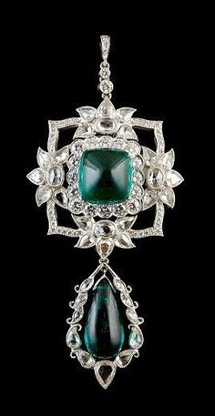 Rosamaria G Frangini ... Antique* Platinum Diamond & Emerald Pendant. Vintage Jewellery
