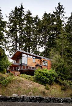 Modern House Design : Herron Island cabin by First Lamp Architects