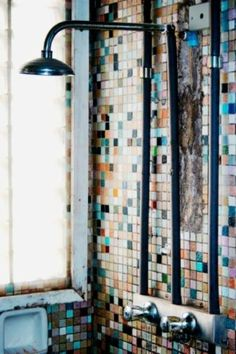 nice idea for an old fashioned bathroom... old theme but nice :)