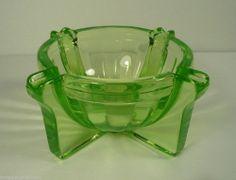 Vtg Green Uranium Vaseline Ashtray 1930's Depression Glass Art Deco Antique