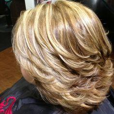 Ideas Hair Cuts For Women Choppy Medium Lengths Medium Hair Cuts, Short Hair Cuts, Medium Hair Styles, Curly Hair Styles, Short Hair With Layers, Layered Hair, Layered Bobs, Haircut For Big Forehead, Mom Hairstyles