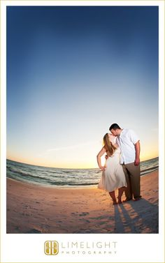 Limelight Photography, www.stepintothelimelight.com, Sirata Beach Resort, Florida, St. Pete, Beach, Tropical, Sunset, Engagement, Couple
