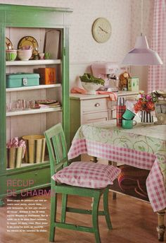 So cute and cozy. ^^ So the pink and green have grown on me.
