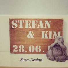 Zusa-Design   Inspiratie voor een steigerhouten tekstbord. Bekijk onze tutorial DIY: Tekstbord' op http://youtu.be/_kFq7a_33Nk en maak je eigen exemplaar! #tekst #steigerhout #wit #inspiratie #wonen #interieur #woonaccessoire #DIY #tutorial
