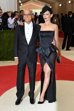 "Entrepreneur Jimmy Iovine (L) and model Liberty Ross attend the ""Manus x Machina: Fashion In An Age Of Technology"" Costume Institute Gala at Metropolitan Museum of Art on May 2, 2016 in New York City."
