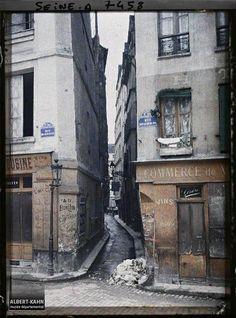 Man Ray Photography, Vintage Photography, Paris France, Catch The Cat, Belleville Paris, Albert Kahn, Rues, Vintage Paris, 18th Century