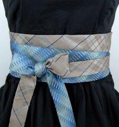necktie belt.
