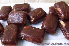 Receta de Caramelos de café con leche Candy Recipes, Sweet Recipes, Dessert Recipes, Desserts, Cake Cookies, Cupcake Cakes, Chocolates, Toffee, Peruvian Recipes