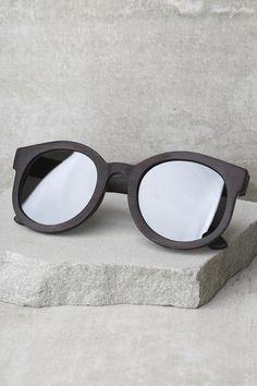c923bdc0e3d Gigi Oversized Round Wood Polarized Sunglasses
