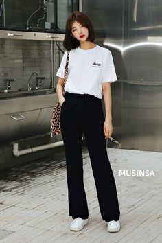 Check out these korean street fashion 98016 Korean Summer Outfits, Korean Fashion Summer Street Styles, Korean Girl Fashion, Tokyo Street Fashion, Seoul Fashion, Korean Fashion Trends, Korea Fashion, Asian Fashion, Look Fashion
