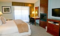 Best Western Plus Forest Park Inn offers beautiful hotel rooms in California. We also have private balconies for a stunning view of the city. Gilroy California, Forest Park, Best Western, Guest Room, Westerns, Hotels, Rooms, Bed, Tips