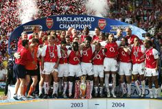 Liverpool are currently unbeaten in 39 Premier League matches, but where does the reigning European champions' run rank on the all-time list? Here are the 10 lo Arsenal Players, Arsenal Football, Football Soccer, Soccer Fifa, Soccer News, College Football, Arsenal Fc, Arsenal Sport, Sports