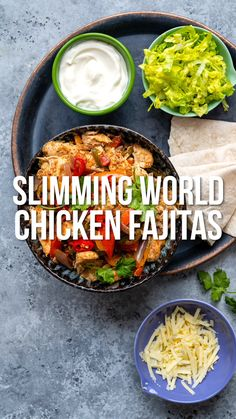 These yummy Chicken Fajitas are super easy to make in your Slow Cooker, stovetop or oven. Packed with flavour, kid friendly and Syn Free on Slimming World Slow Cooker Slimming World, Slimming World Dinners, Slimming World Chicken Recipes, Slimming Eats, Slimming Recipes, Slow Cooker Fajitas, Slow Cooker Huhn, Slow Cooker Chicken, Slimming World Chicken Fajitas