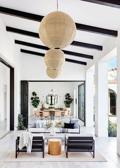Home Renovation Outdoor Inside a Modern Family Home in La Quinta, California - We're used to seeing gorgeous homes at MyDomaine HQ, but this California residence made our jaws drop to the floor. Take a look inside and you'll see Boho Glam Home, Home Decor Styles, Cheap Home Decor, Style At Home, Home Interior Design, Interior And Exterior, Exterior Paint, Modern Home Interior, Interior Livingroom