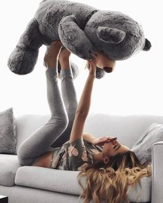 Imagine girl and teddy bear Big Teddy, Teddy Girl, My Teddy Bear, Teddy Photos, Teddy Bear Pictures, Girl Photography Poses, Creative Photography, Best Photo Poses, Cute Girl Face