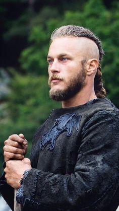 Ragnar Lothbrok Vikings, Lagertha, Bracelet Viking, Viking Jewelry, Ancient Jewelry, Viking Wallpaper, Vikings Travis Fimmel, Viking Character, Viking Quotes