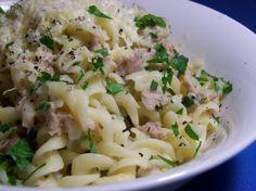 Biggest Loser Creamy Tuna Lemon and Garlic Pasta.  But w/ whole wheat pasta.