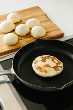 Naan is just the beginning. 4 Indian Breads That Are Better than Sourdough — The Bread Basket Make Naan Bread, How To Make Naan, Bread Making, Keto Bread, Clay Oven, Indian Food Recipes, Ethnic Recipes, Cooking Recipes, Bread Recipes