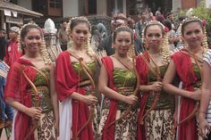 Tari Jamparing #sundanese #traditional #dance #WestJava #indonesia
