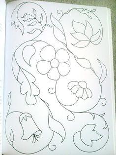 Revista de Bordados - Mariangela Maciel - Álbuns da web do Picasa. could also be nice rug pattern