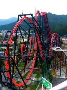 scary roller coaster of the world . roller coaster and eejanaika the world s scariest mofuggin ride ever Scary Roller Coasters, Crazy Roller Coaster, Dorney Park, Fair Rides, Attraction, Amusement Park Rides, Planet Coaster, Water Slides, Around The Worlds