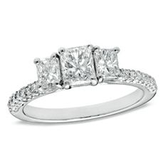 1-1/4 CT. T.W. Radiant-Cut Diamond Three Stone Engagement Ring in Platinum (G-H/VS2-SI1)
