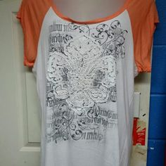 Nwt: 3x-JNY-Hi,Lo short sleeve shirt. Super cute 3x Top new with tag. Never got to wear, due to loosing weight. This beautiful shirt just hangs in my closet. Would like to find a good home for someone else to enjoy.  No rips,stains,defects. *No Trades *  * No Holds * * All Sales Are Final * Jny Tops Tees - Short Sleeve