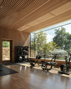Invisible Studio builds giant window at The Newt in Somerset Hotel Dream Home Gym, Gym Room At Home, Home Gym Decor, Design Hotel, Home Gym Design, Hotel Lobby Interior Design, Studio Design, Hotel Gym, Airport Hotel