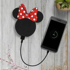 Smartphone, Minnie Mouse, Girly Phone Cases, Iphone Cases, Cute Portable Charger, Batterie Iphone, Cute Spiral Notebooks, Free Iphone Giveaway, Phone Accesories
