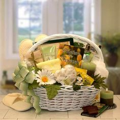 Mother's Are Forever Gift of Relaxation Gift Basket-Gift Baskets for Women-Oxeme Gifts Baby Bath Gift, Bath Gift Basket, Mother's Day Gift Baskets, Spa Basket, Raffle Baskets, Spa Gifts, Wine Gifts, Best Mothers Day Gifts, Gifts For Mom