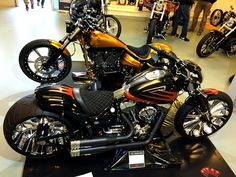 Harley Davidson Breakout Best Custom 300 Tyres - YouTube