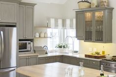 Nice 65 Gorgeous Gray Kitchen Cabinet Decor Ideas https://decorecor.com/65-gorgeous-gray-kitchen-cabinet-decor-ideas