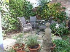 london courtyard garden ideas - Google Search
