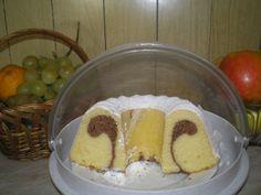 (Celé šlehání děláme ruč. el šlehačem s metlami - NE s háky).  Do mísy dáme cukr, rozklepneme 4 vejce, vanilkový cukr, dáme špetku soli a... Vanilla Cake, Pudding, Sugar, Treats, Dishes, Sweet, Food, Sweet Like Candy, Candy