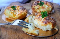 Sformatini al formaggio, ricetta veloce, cena, ricetta sfiziosa, antipasto, finger food, feste di compleanno, secondo veloce, ricetta con formaggio, tortini morbidi