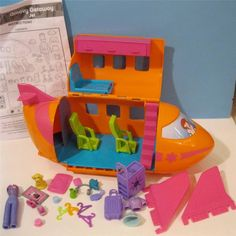 Groovy Getaway Jet Polly Pocket - This was my favorite set that I had!