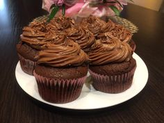 Nutellás csokis cupcake, egy kis édes finomság készült nálunk! Nutella, Recipies, Muffin, Food, Hungarian Recipes, Recipes, Essen, Muffins, Meals
